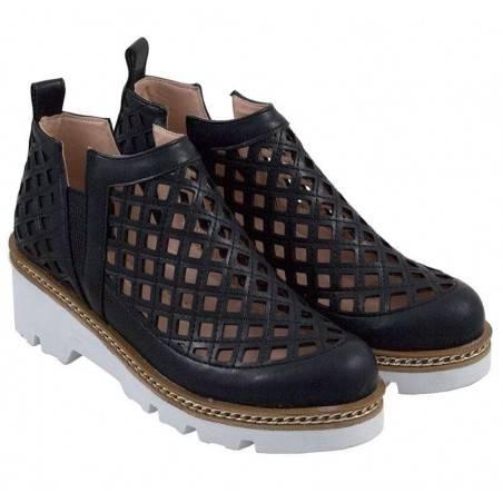 Pantofi de dama, moderni, cu decupaje rombice