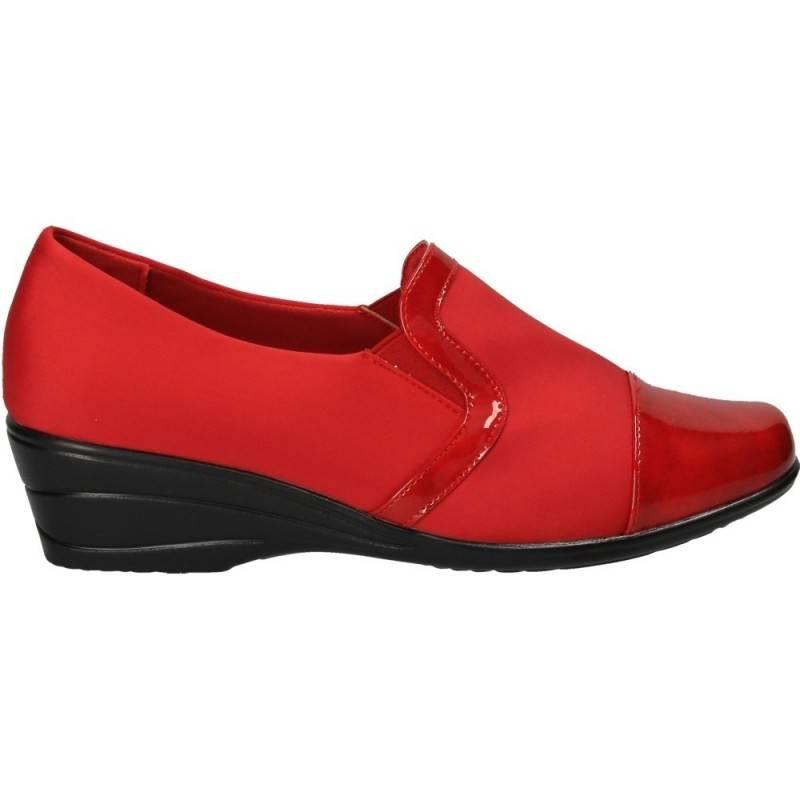 Pantofi rosii cu platforma, marca Soft Space