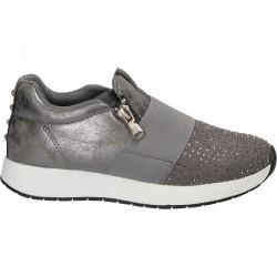 Sneakers fete, cu strasuri