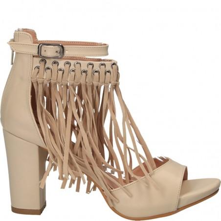 Sandale fashion, cu franjuri si toc inalt
