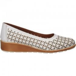 Pantofi moderni, albi, din piele naturala