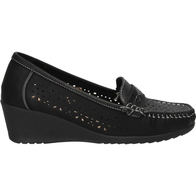 Pantofi clasici, cu perforatii, femei