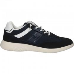 Sneakers bleumarini, barbatesti, stil urban