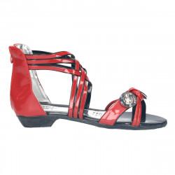 Sandale rosii, cu nasturi...