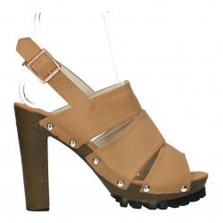 Sandale moderne, platforma si toc inalt