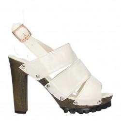 Sandale albe, pentru tinute moderne