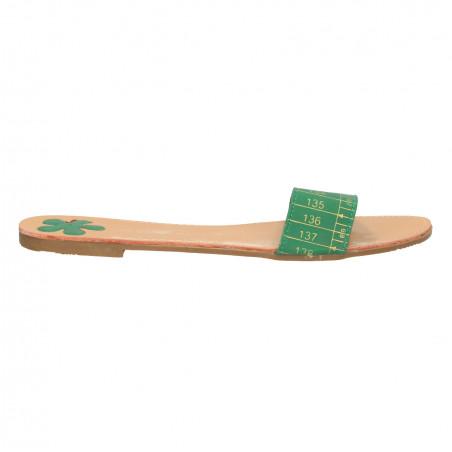 Papuci verzi, model centimetru