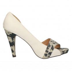 Pantofi decupati albi, cu...