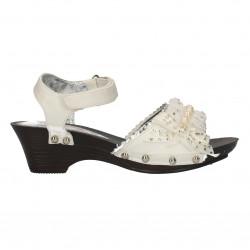 Sandale fete, albe, cu perlute