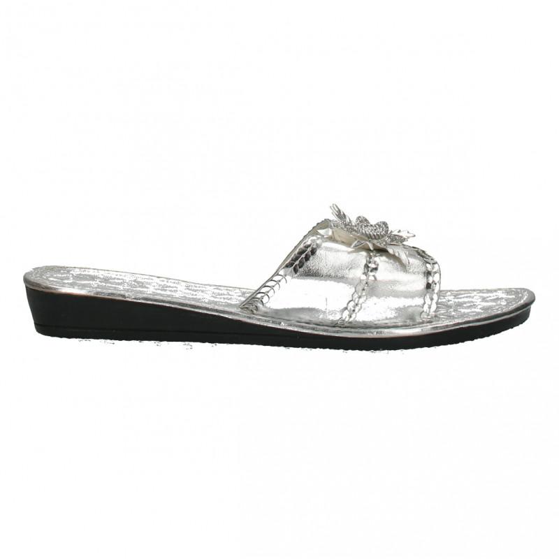 Papuci glamour, pentru fete