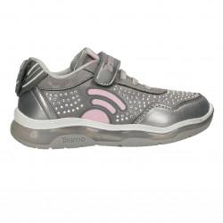 Sneakers fete, cu beculete si sistem GPS