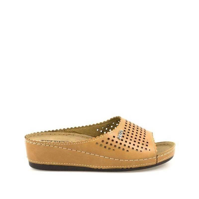 Saboti dama culoarea maro marca Fly Shoe VGTT09-067M