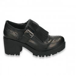 Pantofi retro, cu toc...