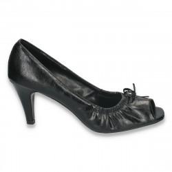 Pantofi model clasic, cu varf decupat si toc mic - LS34