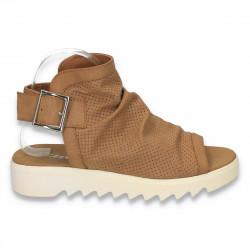 Sandale modene, cu perforatii, maro - LS177