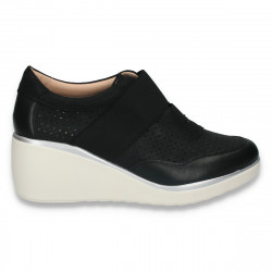 Pantofi casual dama, cu platforma si perforatii, negri - W150