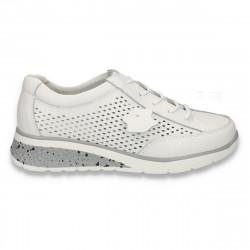 Pantofi casual dama, din piele, cu siret si perforatii, albi - W218