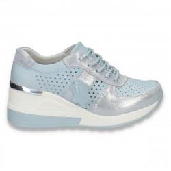 Pantofi casual dama, din piele, cu siret si perforatii, albastru deschis - W221