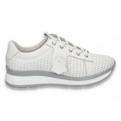 Pantofi casual dama, din piele, cu siret si perforatii, albi - W222