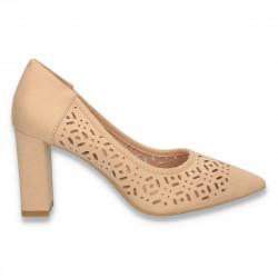 Pantofi cu varf ascutit si perforatii, bej - W400