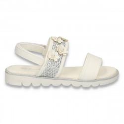 Sandale cu floricele pentru fetite, albe - W495