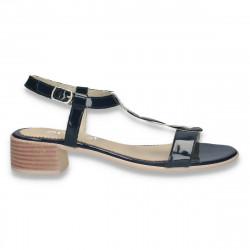 Sandale elegante din piele lacuita, cu toc mic, bleumarin-alb - W505