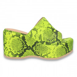 Saboti fashion, cu talpa inalta, verde neon  - W597